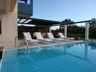 Villa-3, near the beach and the golf course of Rhodes, private pool-garden