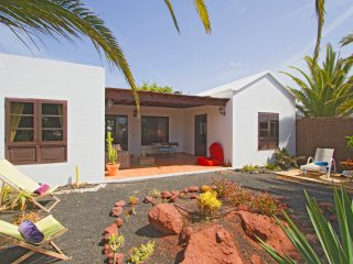 Last Minute Sale! Ocean view, detached villa near the famous 'Papagayo Beaches', Playa Blanca