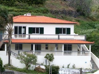 Vivenda Linda Vista 2  with spectacular sea and mountain views