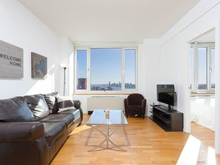 High End Midtown two bedroom by Times Square, Nova York