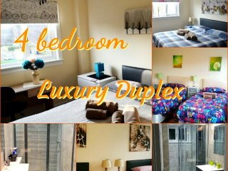 4 DOUBLE/TWIN BEDROOM DUPLEX- 2 SHOWER ROOMS - UP TO 10 SLEEPS - WI-FI