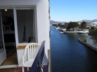 Blue Canal Apartment - Ampuriabrava