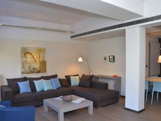 Plaka, modern, one bedroom apt on Cathedral Square
