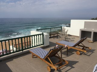 Luxury beachfront accommodation - recently renovated, Shaka's Rock