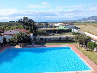 Estudio de vacaciones con piscina y vistas despejadas en Roses, Costa Brava