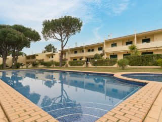 Glim White Villa, Vilamoura, Algarve