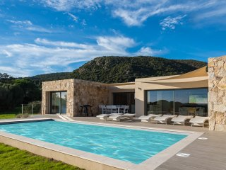 Palombaggia Luxueuse Villa, Piscine, Vue Mer Imprenable. Acces Prive Plage