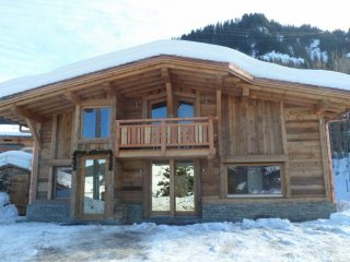 Superb Chalet (Direct Ski In and OUT) old wood, in a dream location, Megève