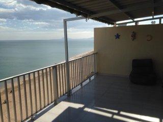 Alquiler apartamento comodo - primera linea de playa con vistas espectaculares