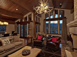 Luxury & Location: Ski-in/Ski-out 5Br Chalet in Vail Village ~ RA133244