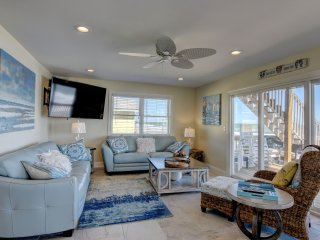 Pelican's Landing - 200K Renovation, Unparalleled views - Oceanfront home, Surf City