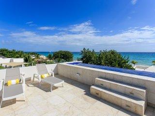 Wonderful 6 Bedroom villa 5 steps to the Best Beach in Playacar ~ RA90703