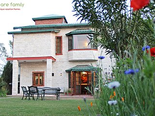 Mistar, Garden Wing, Private & Luxury Garden Hill Villa... with a Cook, Kasauli
