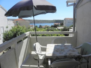 Sea view two bedroom apartment in Barbat