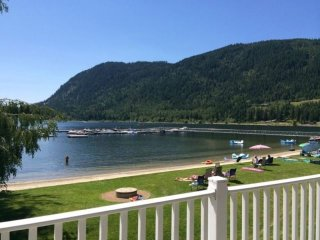 Waterfront Condo on Mara Lake, Sicamous