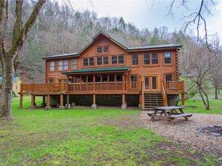 Caney Creek Lodge