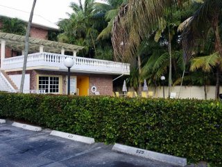 1 Bedroom 1.5 bath, Fort Lauderdale