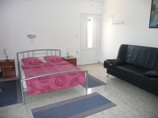 Cozy studio apartment in Barbat