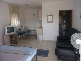 Warm studio apartment in Barbat
