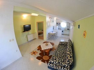 Charming two bedroom apartment in Banjol