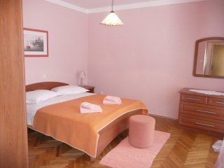Traditional two bedroom apartment in Banjol