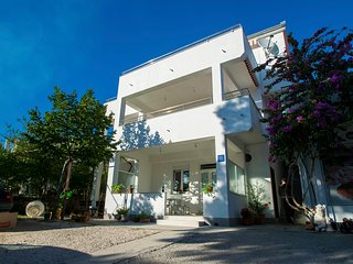 Modern one bedroom apartment in Starigrad
