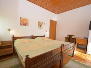 Tasteful room in Starigrad