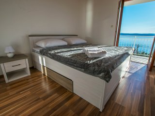 Modern and cozy two bedroom apartment in Starigrad