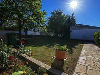 Three bedroom apartment in Starigrad