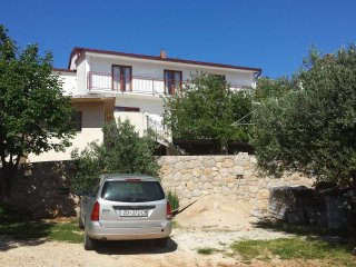 Traditional two bedroom apartment in Starigrad