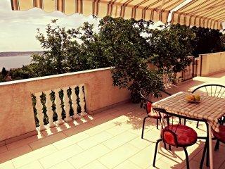 Classic one bedroom apartment in Starigrad