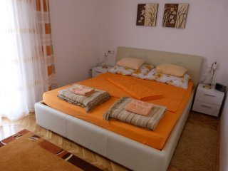 Cozy one bedroom apartment in Pirovac