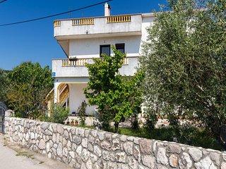Lovely one bedroom apartment in Vrbnik