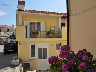 Beautiful holiday home in Vrbnik