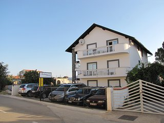 Apartments Jandrok - Apartment 6 (8304-6), Pirovac