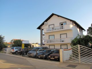 Apartments Jandrok - Apartment 3 (8304-3), Pirovac