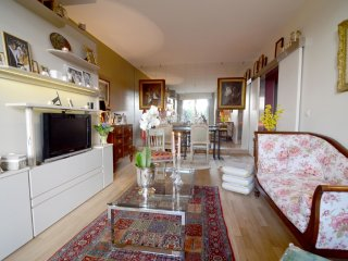 Charming apt for 3 with a terrace near La Defense