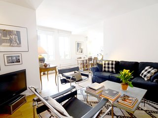 Bright and modern 1BR apartment near Bastille
