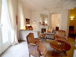 Phenomenal 3BR Vacation Rental at Haussmann Palace