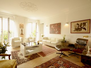 Spacious 2 BR Near Eiffel Tower and St Germain