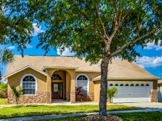 Dog-friendly lakefront home w/ pool & game room near Disney - snowbirds welcome!