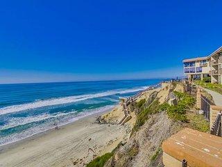 Fantastic Condo Next to the Beach! DMS, Solana Beach