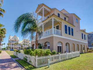 Elegant, two-level, dog-friendly home - close to the beach!