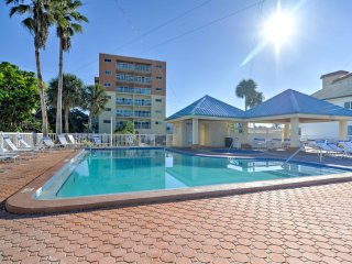 NEW! 2BR Redington Shores Condo - Steps to Beach!