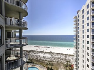 NEW! Beachfront 3BR Navarre Beach Condo w/Balcony!