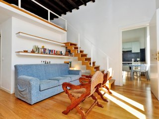 Bright 1bdr overlooking Via del Corso, perfect to visit Rome!