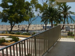apartamento 1ª linea de playa para 8 personas con piscina, IslasM