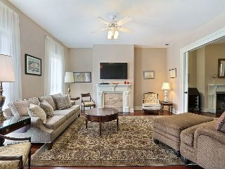 Beautifully Renovated Town Home in a Great Location Close to Forsyth Park, Savannah