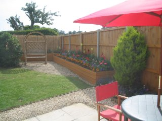 Annex 1 min  Wroxham, private southerly garden