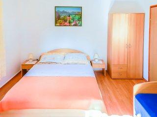 Apartments Nedjeljko - 67051-A1, Mali Losinj